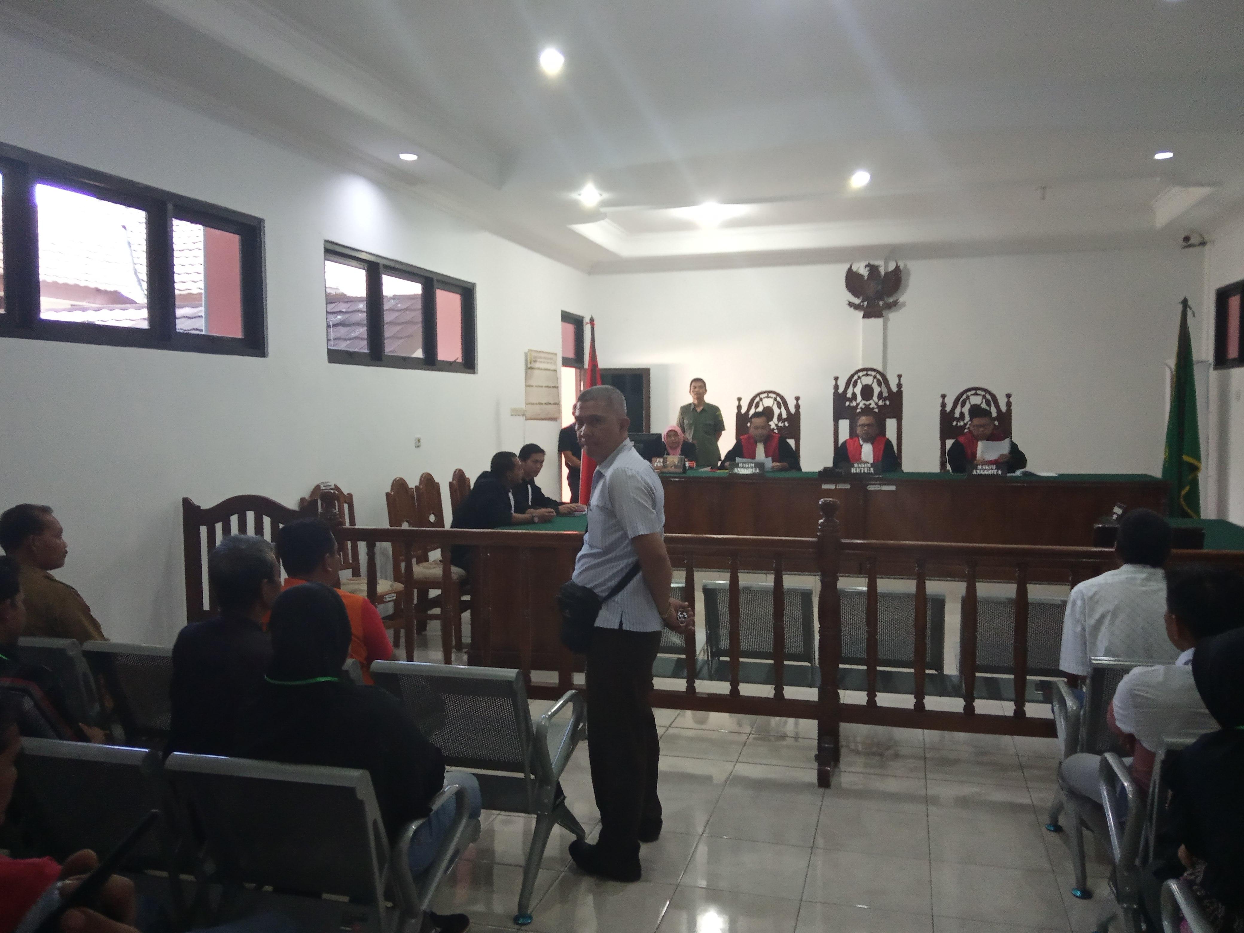 Antusias Warga Lebong Tandai hadiri sidang perdana kades