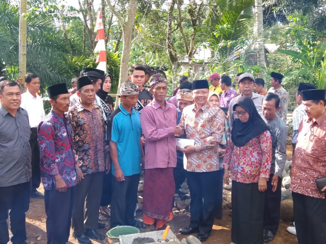 Kedatangan Gubernur Bengkulu,Kades Sumber Agung ucapkan ribuan terima kasih