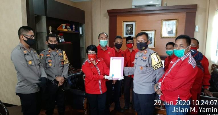 PDIP Se-provinsi Bengkulu serahkan surat permintaan proses hukum terkait Pembakaran Bendera