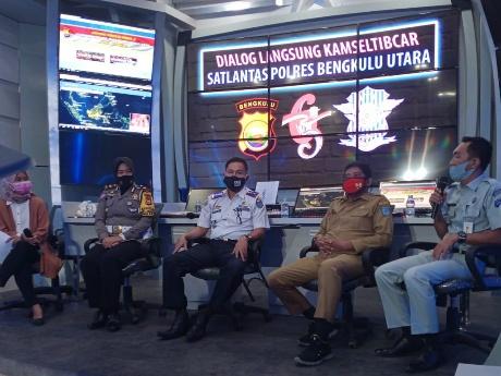Hut Lalu Lintas Ke-65, Polres Bengkulu Utara Laksanakan Kamsel Talk Show